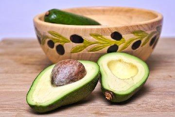https://www.ragusanews.com//immagini_articoli/16-09-2019/dieta-per-la-pressione-alta-gli-alimenti-indicati-e-quelli-da-evitare-240.jpg