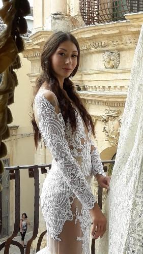 https://www.ragusanews.com//immagini_articoli/16-09-2020/lo-stilista-emanuele-bilancia-sceglie-scicli-per-i-suoi-abiti-da-sposa-500.jpg
