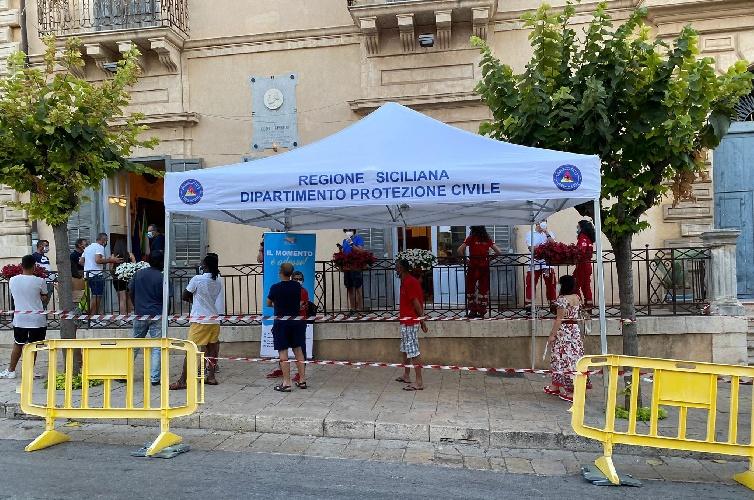 https://www.ragusanews.com//immagini_articoli/16-09-2021/sicilia-terza-dose-al-via-da-lunedi-quello-che-sappiamo-sugli-effetti-500.jpg
