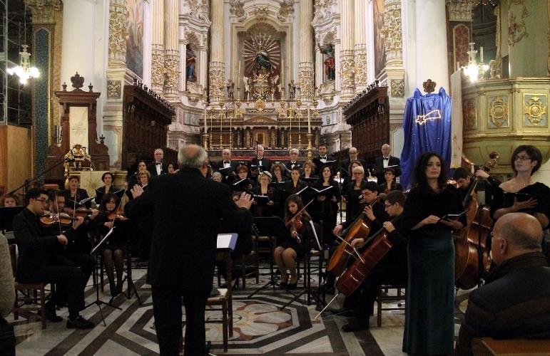 http://www.ragusanews.com//immagini_articoli/16-10-2015/iscrizioni-aperte-al-coro-monteverdi-500.jpg