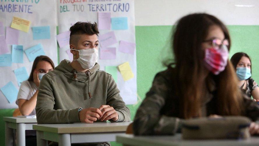 https://www.ragusanews.com//immagini_articoli/16-10-2020/studente-dell-istituto-indistriale-positivo-classe-in-quarantena-500.jpg