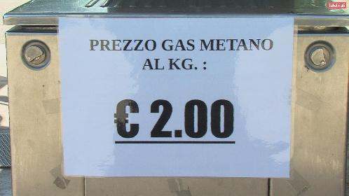 https://www.ragusanews.com//immagini_articoli/16-10-2021/auto-il-prezzo-del-metano-alle-stelle-paura-per-l-adblue-280.jpg
