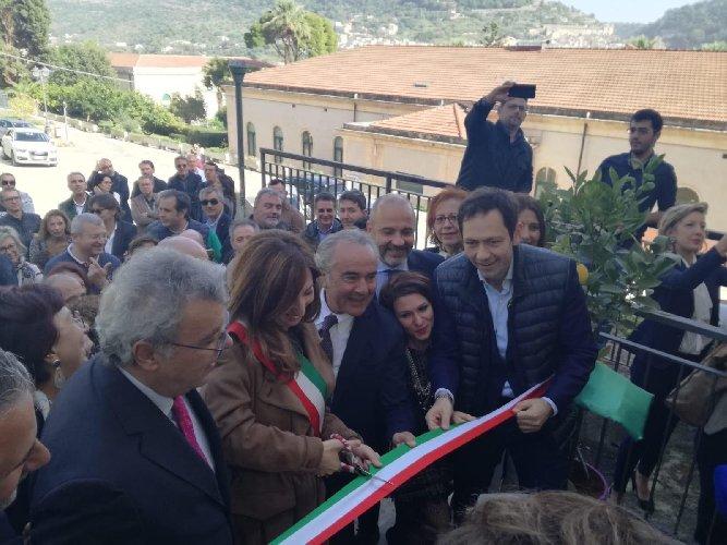 https://www.ragusanews.com//immagini_articoli/16-11-2019/scicli-inaugurata-la-sede-bonino-pulejo-500.jpg