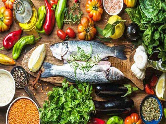 https://www.ragusanews.com//immagini_articoli/16-11-2020/la-dieta-mediterranea-compie-10-anni-solo-il-10-italiani-la-fa-500.jpg
