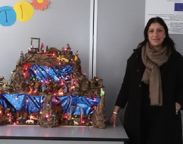 https://www.ragusanews.com//immagini_articoli/16-12-2015/donato-un-presepe-a-una-scuola-500.jpg