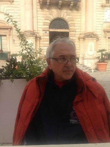 http://www.ragusanews.com//immagini_articoli/16-12-2017/sava-meritoria-proposta-sindaco-quella-strada-chiami-peppe-drago-500.jpg