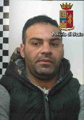 http://www.ragusanews.com//immagini_articoli/16-12-2017/vittoria-spacciatore-anfetamine-arrestato-simone-cintolo-240.jpg