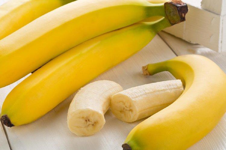 https://www.ragusanews.com//immagini_articoli/16-12-2019/la-dieta-banana-500.jpg