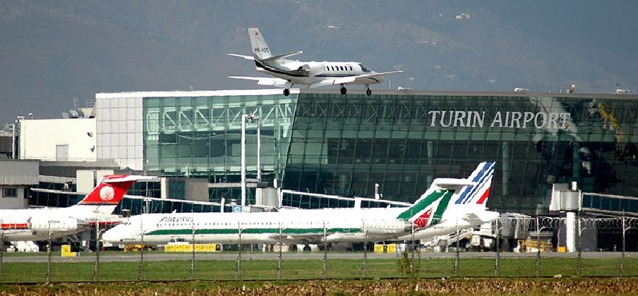 http://www.ragusanews.com//immagini_articoli/17-01-2017/aeroporto-lavora-comiso-torino-420.jpg