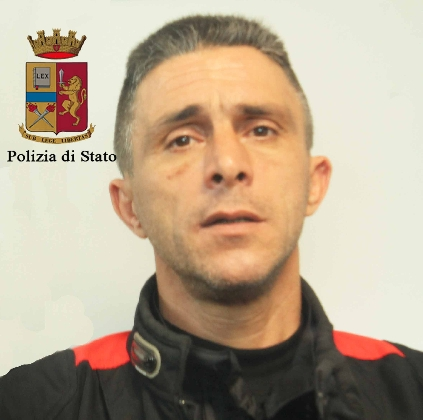 https://www.ragusanews.com//immagini_articoli/17-01-2017/sorvegliato-speciale-senza-patente-arrestato-mario-catalano-420.jpg
