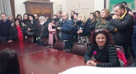 http://www.ragusanews.com//immagini_articoli/17-01-2018/ragusa-mensa-scolastica-genitori-usufruisce-servizio-240.jpg