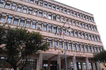 https://www.ragusanews.com//immagini_articoli/17-01-2020/sicilia-le-ex-province-si-vota-il-19-aprile-ma-e-la-volta-buona-240.jpg