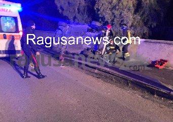 https://www.ragusanews.com//immagini_articoli/17-01-2020/ubriaco-cappotta-con-l-auto-240.jpg