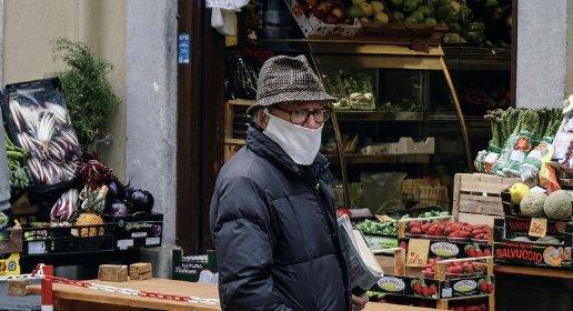 https://www.ragusanews.com//immagini_articoli/17-01-2021/covid-italia-17-gennaio-2021-12-415-contagi-e-377-vittime-280.jpg