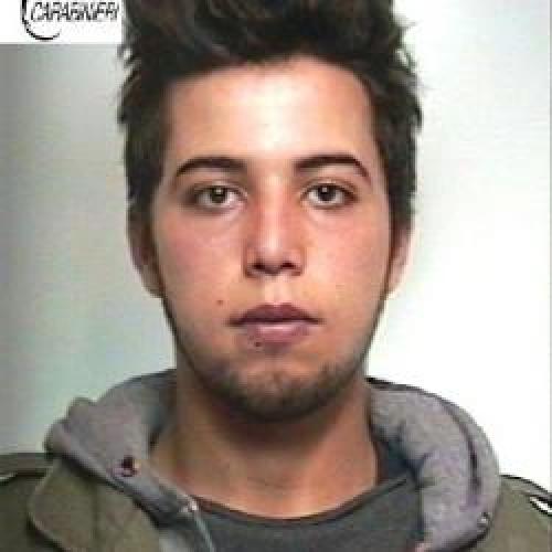 http://www.ragusanews.com//immagini_articoli/17-02-2015/droga-arrestato-un-ventenne-500.jpg