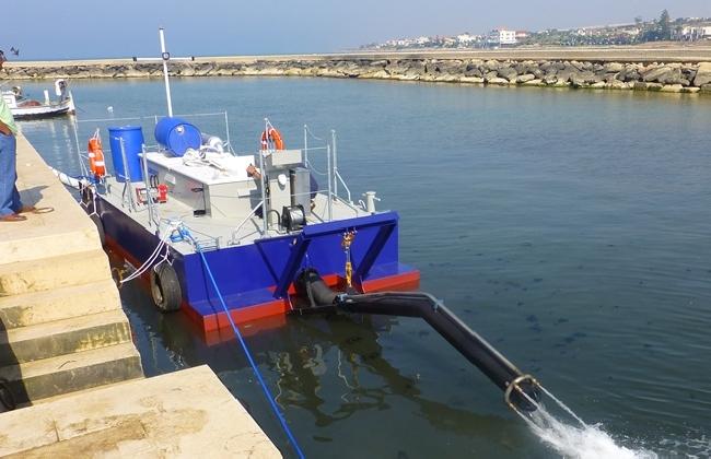 http://www.ragusanews.com//immagini_articoli/17-02-2017/draga-porto-donnalucata-acquistata-utilizzata-420.jpg