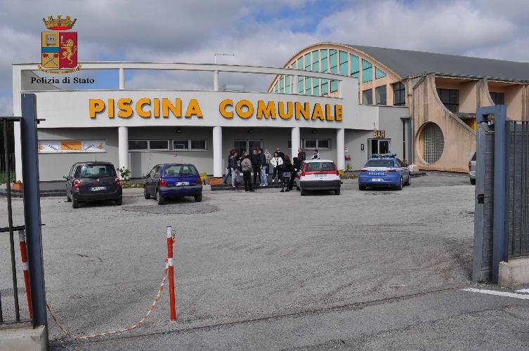 http://www.ragusanews.com//immagini_articoli/17-03-2015/spray-con-l-allora-sindaco-dipasquale-beccato-500.jpg