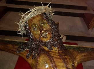 https://www.ragusanews.com//immagini_articoli/17-03-2018/crocifisso-chiesa-antonio-termini-imerese-240.jpg