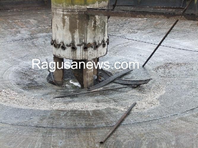 http://www.ragusanews.com//immagini_articoli/17-04-2014/il-depuratore-di-modica-e-un-depuratore-che-non-funziona-500.jpg