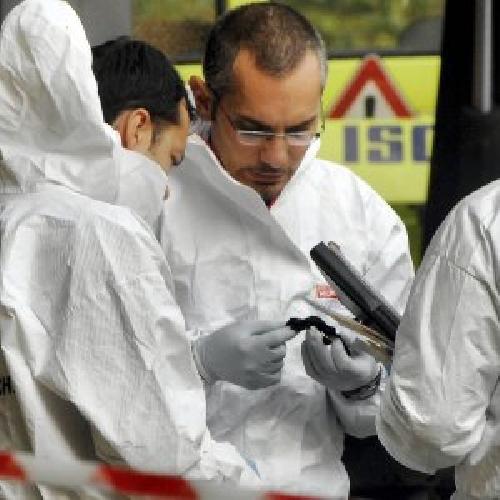 http://www.ragusanews.com//immagini_articoli/17-04-2017/ritrovata-scoglitti-auto-tunisino-ucciso-500.jpg