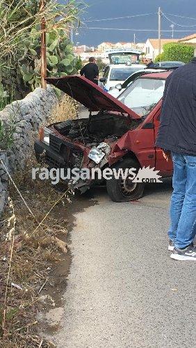 https://www.ragusanews.com//immagini_articoli/17-04-2019/incidente-modica-scicli-ferita-una-donna-500.jpg