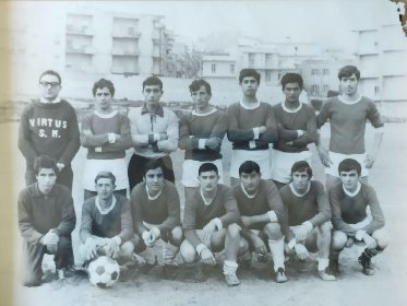 https://www.ragusanews.com//immagini_articoli/17-04-2021/1618683413-calcio-ragusano-in-lutto-e-scomparso-giacomo-cecchino-1-280.jpg