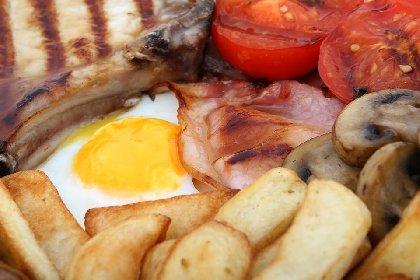 https://www.ragusanews.com//immagini_articoli/17-04-2021/dieta-e-colesterolo-alto-280.jpg