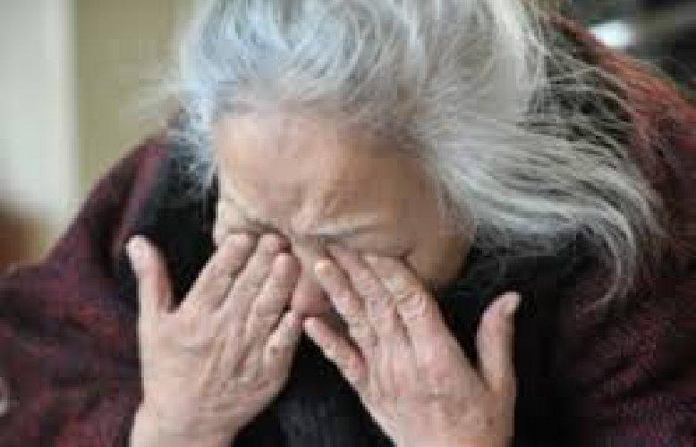 https://www.ragusanews.com//immagini_articoli/17-05-2018/anziana-spogliata-derubata-casa-500.jpg