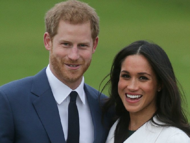 https://www.ragusanews.com//immagini_articoli/17-05-2018/royal-wedding-confetti-mandorle-avola-500.jpg
