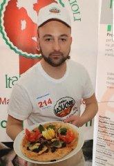 https://www.ragusanews.com//immagini_articoli/17-05-2019/apre-stasera-perciasacchi-pizzapanini-gourmet-240.jpg
