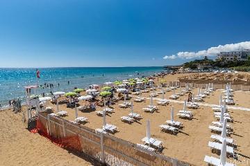 https://www.ragusanews.com//immagini_articoli/17-05-2020/sicilia-i-lidi-balneari-restano-chiusi-240.jpg