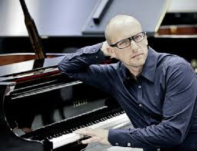 http://www.ragusanews.com//immagini_articoli/17-06-2017/vittoria-jazz-fest-stasera-pianista-antonio-fara-500.jpg