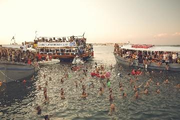 https://www.ragusanews.com//immagini_articoli/17-06-2020/i-festival-esperienziali-in-sicilia-siamo-forti-e-facciamo-rete-240.jpg