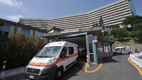 https://www.ragusanews.com//immagini_articoli/17-06-2021/trombosi-post-vaccino-una-34enne-si-salva-un-altro-entra-in-rianimazione-280.jpg