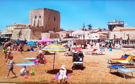 https://www.ragusanews.com//immagini_articoli/17-06-2021/vacanze-2021-9-famiglie-su-10-restano-in-italia-sicilia-al-top-280.jpg
