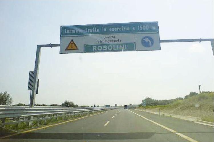 https://www.ragusanews.com//immagini_articoli/17-07-2014/autostrada-rosolini-modica-stipulato-il-contratto-500.jpg