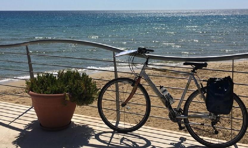 https://www.ragusanews.com//immagini_articoli/17-07-2016/the-guardian-da-siracusa-a-ragusa-in-bici-attraverso-il-val-di-noto-500.jpg