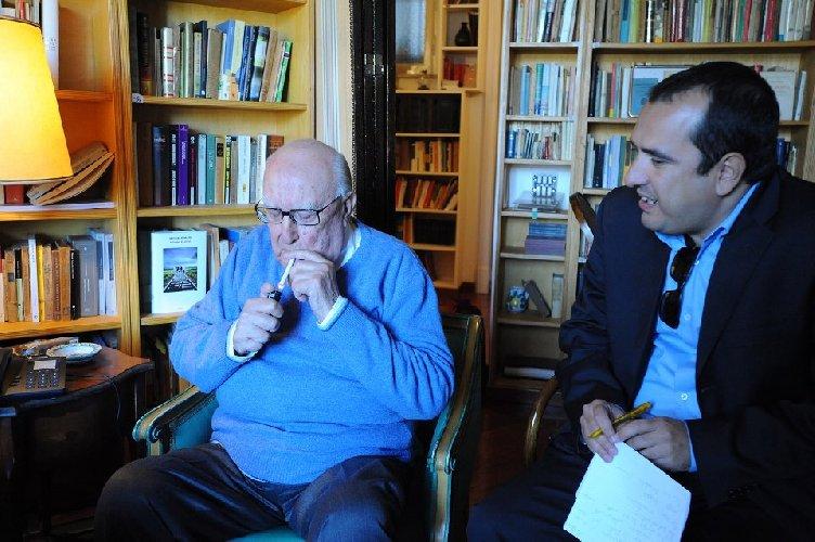 https://www.ragusanews.com//immagini_articoli/17-07-2019/camilleri-e-ai-siciliani-disse-facciamo-vedere-chi-siamo-video-500.jpg