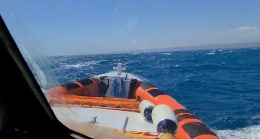 https://www.ragusanews.com//immagini_articoli/17-07-2021/1626542451-pozzallo-soccorsi-tre-diportisti-in-una-barca-in-avaria-1-280.jpg