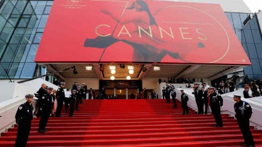 https://www.ragusanews.com//immagini_articoli/17-07-2021/festival-di-canne-ha-vinto-il-film-francese-500.jpg