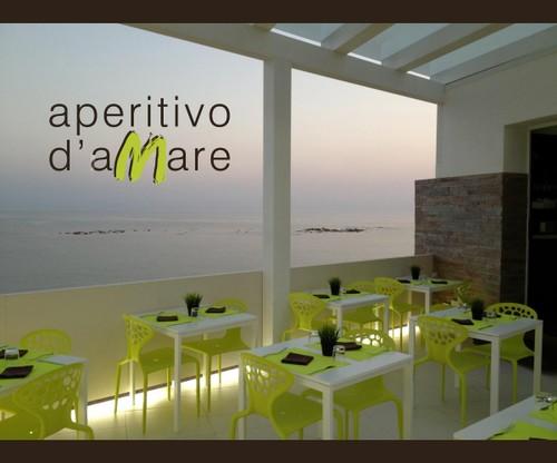 https://www.ragusanews.com//immagini_articoli/17-08-2014/1408288069-1-a-cena-davanti-al-mare-di-montalbano.jpg