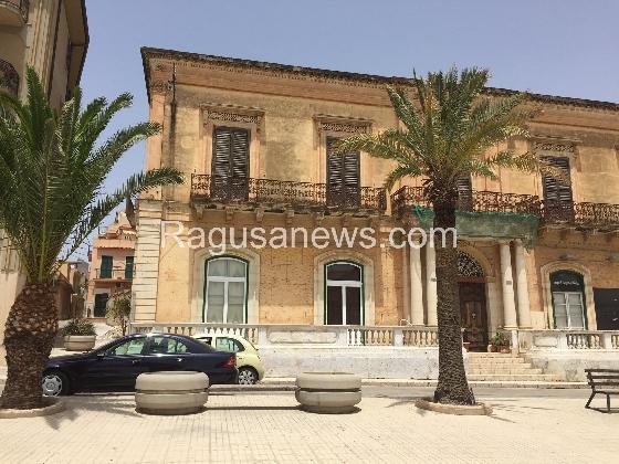 https://www.ragusanews.com//immagini_articoli/17-08-2016/palazzo-giunta-apre-alla-fruizione-con-un-ristorante-420.jpg