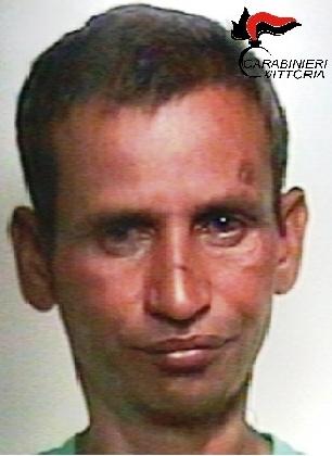 http://www.ragusanews.com//immagini_articoli/17-08-2016/scoglitti-tenta-di-rapire-una-bambina-in-spiaggia-arrestato-420.jpg