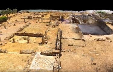 http://www.ragusanews.com//immagini_articoli/17-08-2017/villa-romana-scoperta-sicilia-ricostruita-video-240.jpg