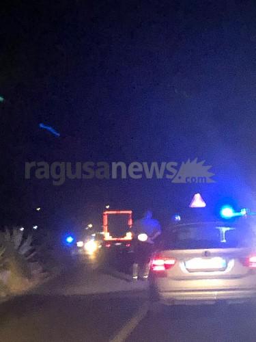 https://www.ragusanews.com//immagini_articoli/17-08-2020/bloccata-la-ispica-marzamemi-pare-per-incidente-500.jpg