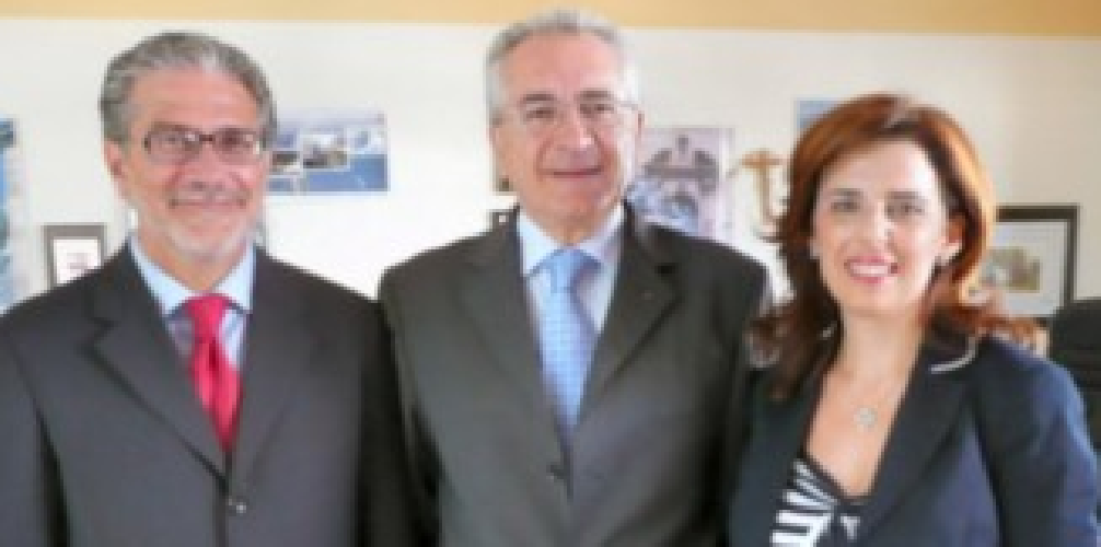 https://www.ragusanews.com//immagini_articoli/17-09-2009/nominati-i-nuovi-direttori-dell-asp-di-ragusa-500.png