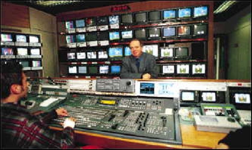 https://www.ragusanews.com//immagini_articoli/17-09-2015/che-contratti-hanno-i-giornalisti-nelle-tv-private-500.jpg