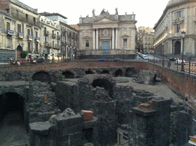 http://www.ragusanews.com//immagini_articoli/17-09-2017/catania-sotterranea-500.jpg