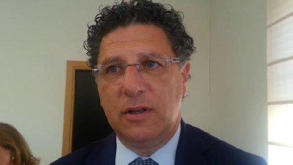 https://www.ragusanews.com//immagini_articoli/17-09-2018/decaduto-ficarra-ragusa-arico-palermo-altri-240.jpg