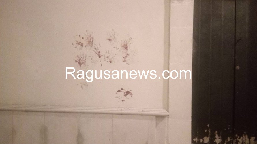 https://www.ragusanews.com//immagini_articoli/17-09-2019/1568757223-ragazzo-ubriaco-rompe-vetro-e-sporca-di-sangue-via-mormina-penna-1-500.jpg